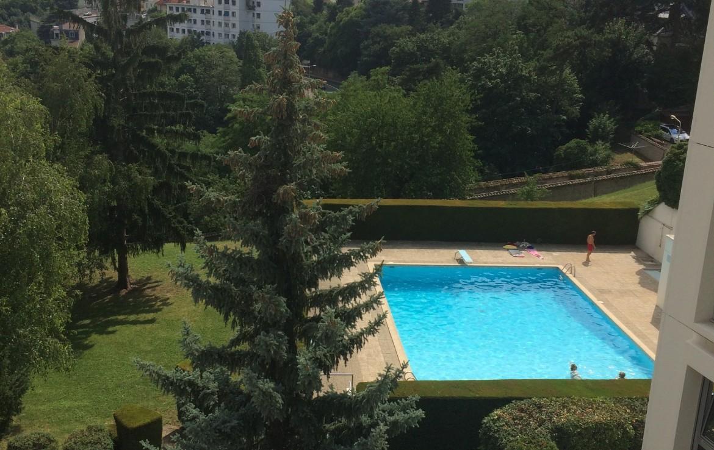 appartement-vue-piscine-lyon