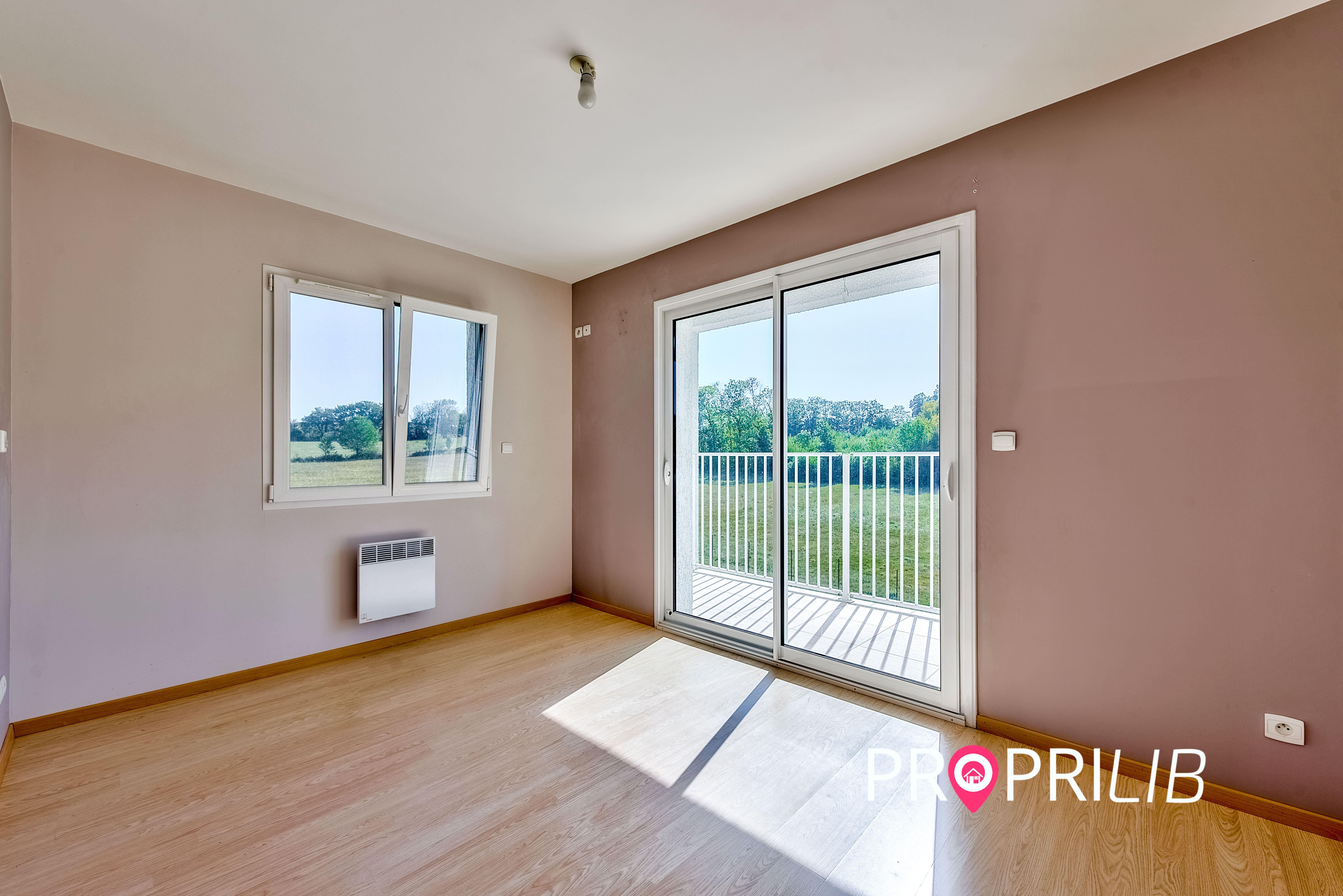 PropriLib l'agence immobilière en ligne à commission fixe vend cette maison à Meyrieu-les-Etangs