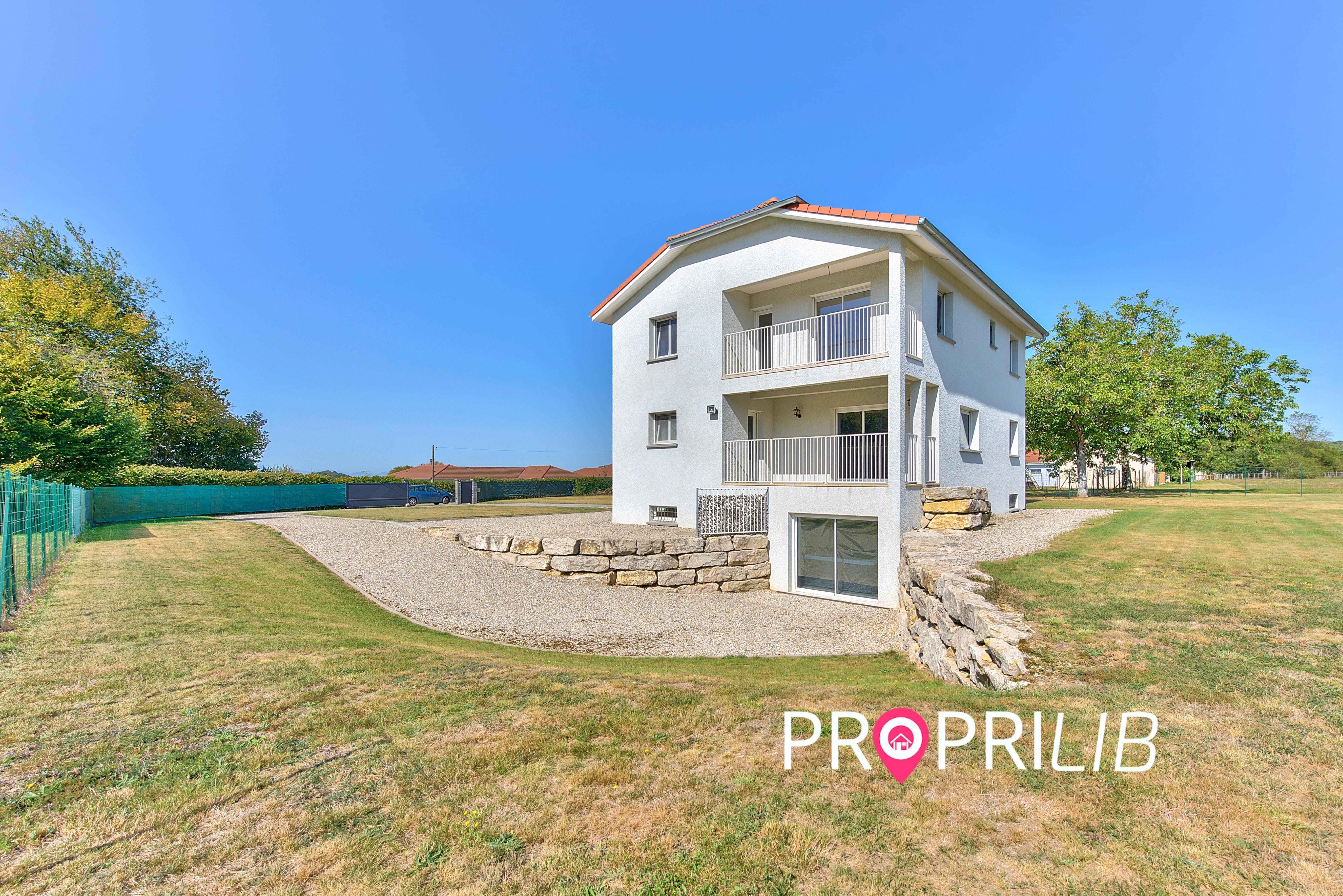 PropriLib l'agence immobilière en ligne à prix fixe vend cette maison à Meyrieu-les-Etangs