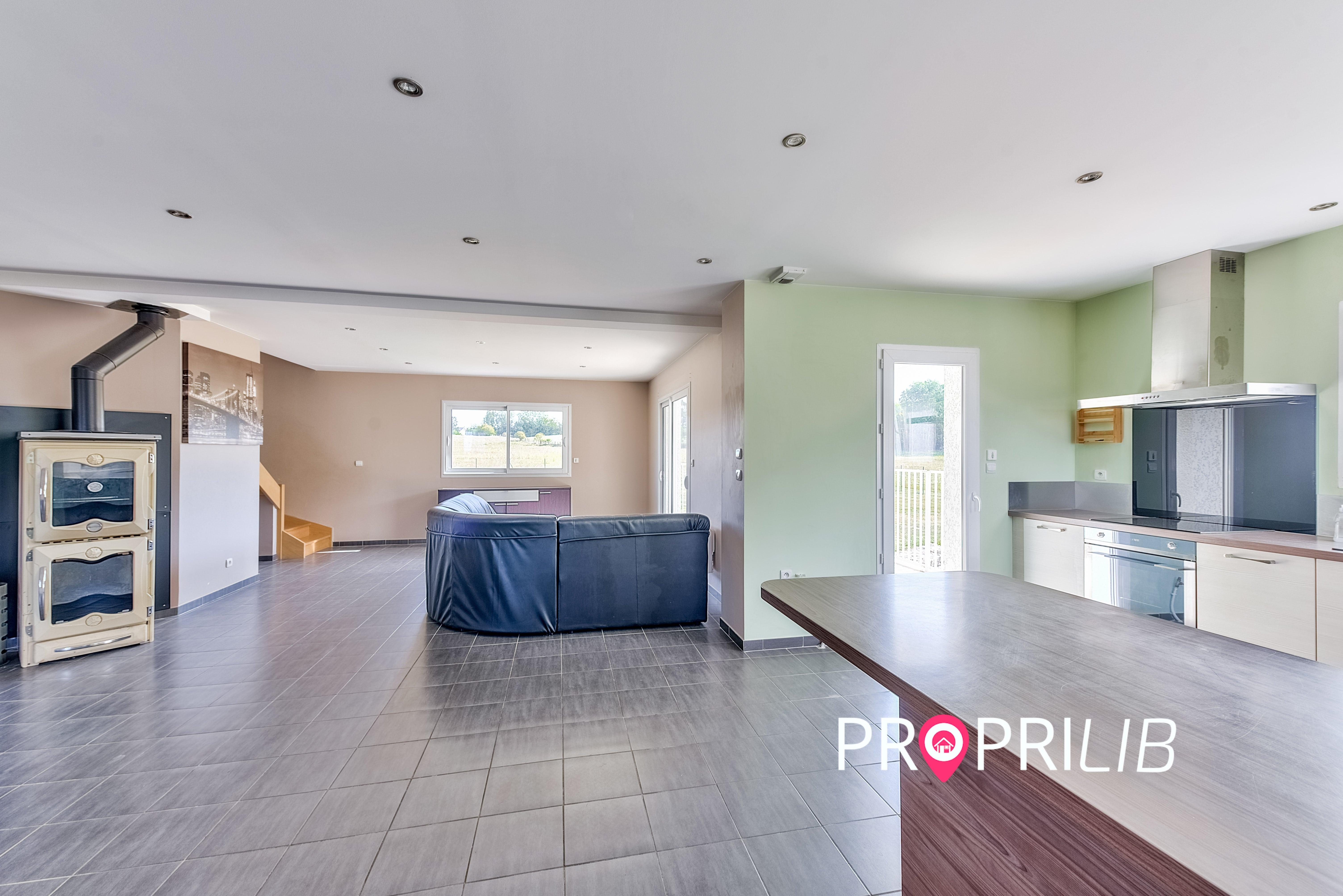 PropriLib l'agence immobilière en ligne vend cette maison à Meyrieu-les-Etangs