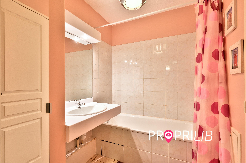 PropriLib l'agence immobilière en ligne à commission fixe vend cet appartement à Villeurbanne