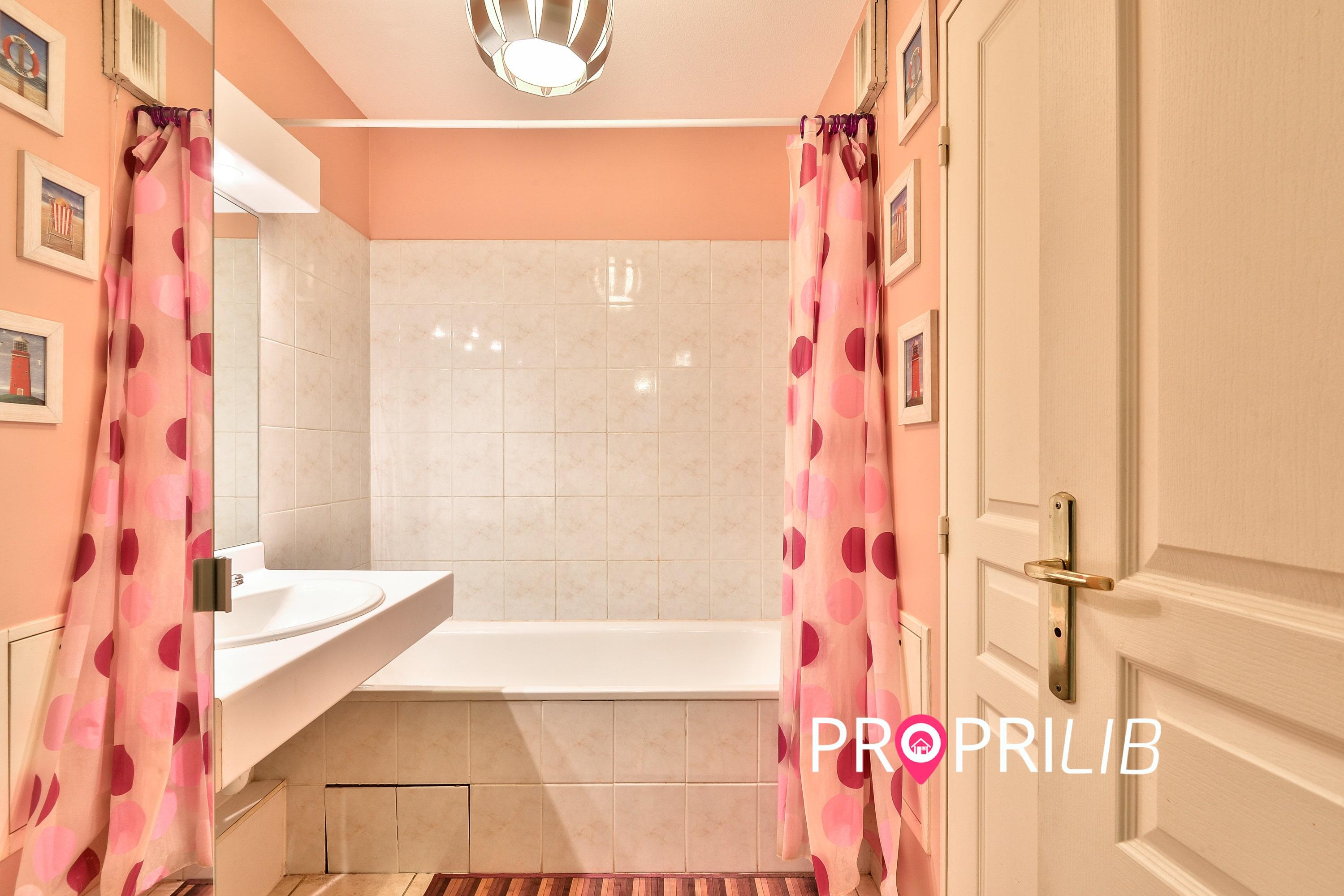 PropriLib l'agence immobilière en ligne à prix fixe vend cet appartement à Villeurbanne