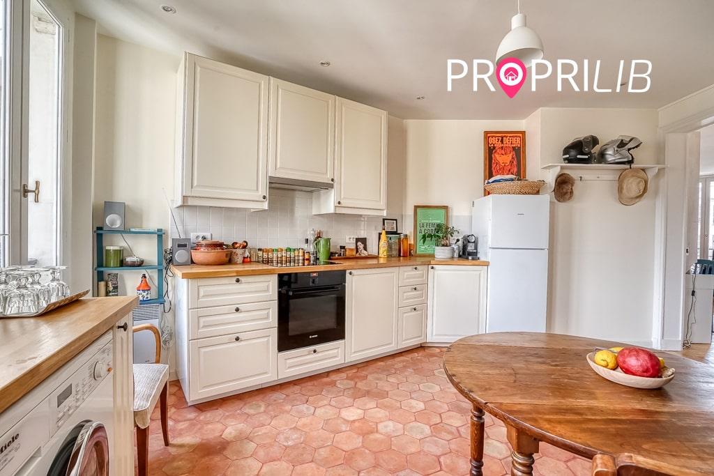 PropriLib l'agence immobilière en ligne à commission fixe vend cet appartement à Paris 18 ème