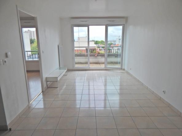PropriLib l'agence immobilière en ligne à prix fixe vend cet appartement à Drancy