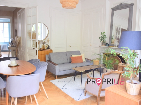 PropriLib l'agence immobilière en ligne à commission fixe vous propose  cet appartement à Lyon 3 ème