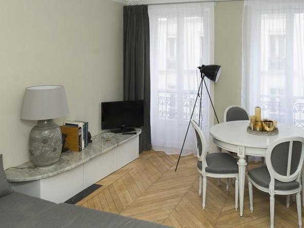 PropriLib l'agence immobilière sans commission vous propose cet appartement dans le 18 ème