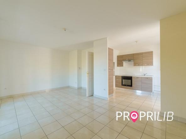 PropriLib l'agence immobilière en ligne à prix fixe vend cet appartement à Lyon 8 ème