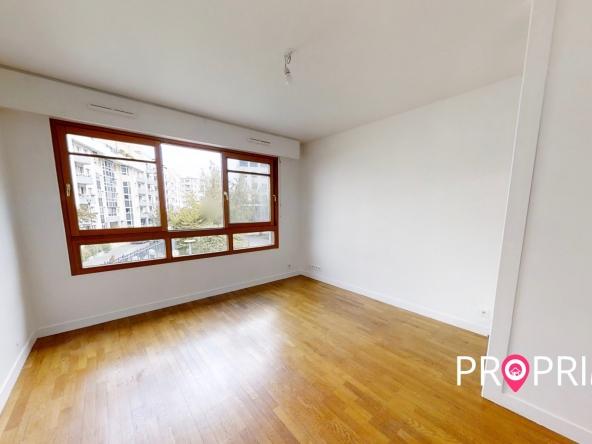 PropriLib l'agence immobilière en ligne à commission fixe vous propose cet appartement à Courbevoie
