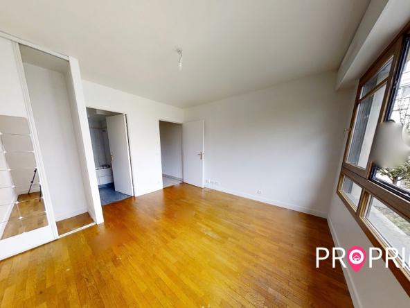 PropriLib l'agence immobilière sans commission vous propose ce studio à Courbevoie