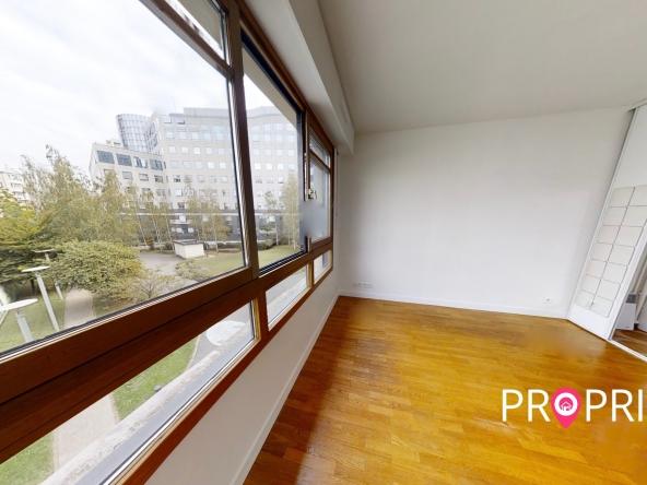 PropriLib l'agence immobilière en ligne au forfait vous propose cet appartement à Courbevoie