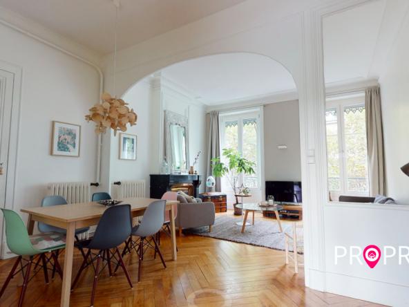 PropriLib l'agence immobilière en ligne à prix fixe vous propose cet appartement dans le 7ème