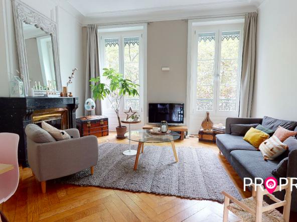 PropriLib l'agence immobilière en ligne à commission fixe vous propose cet appartement dans le 7ème