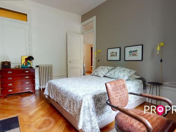 PropriLib l'agence immobilière en ligne à prix fixe vous propose cet appartement dans le 7 ème arrondissement