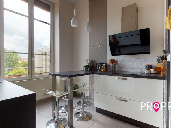PropriLib l'agence immobilière en ligne au forfait vous propose cet appartement dans le 7 ème arrondissement
