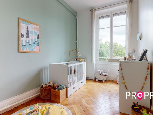 PropriLib l' agence immobilière en ligne à prix fixe vous propose cet appartement dans le 7 ème