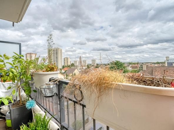 PropriLib l'agence immobilière en ligne au forfait vous propose  cet appartement à Drancy