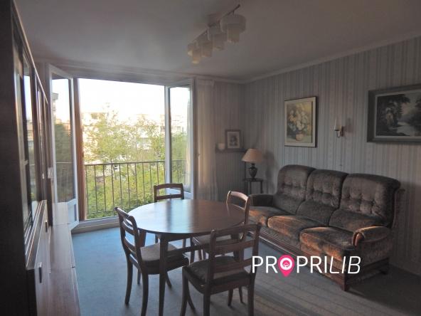 PropriLib l'agence immobilière en ligne à prix fixe vous propose cet appartement à La Garenne Colombes