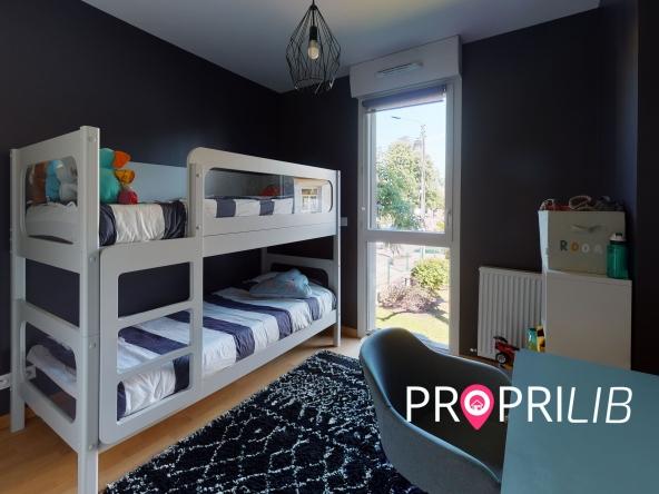 La-Verpillere-Bedroom(2)-min