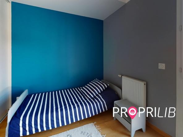La-Verpillere-Bedroom(3)-min